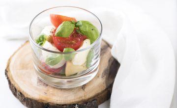 Mozzarella salat tomati ja basiilikuga