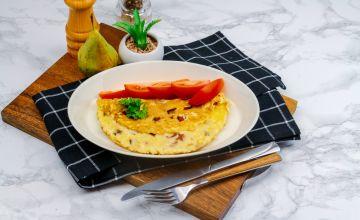 Omlett singi ja tomatitega